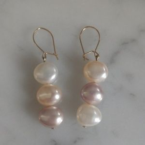 Jewelry - Freshwater pearl dangle earrings- pastel